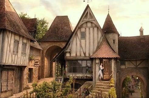 貝兒的家在這兒?南法原來有個《美女與野獸》童話小鎮