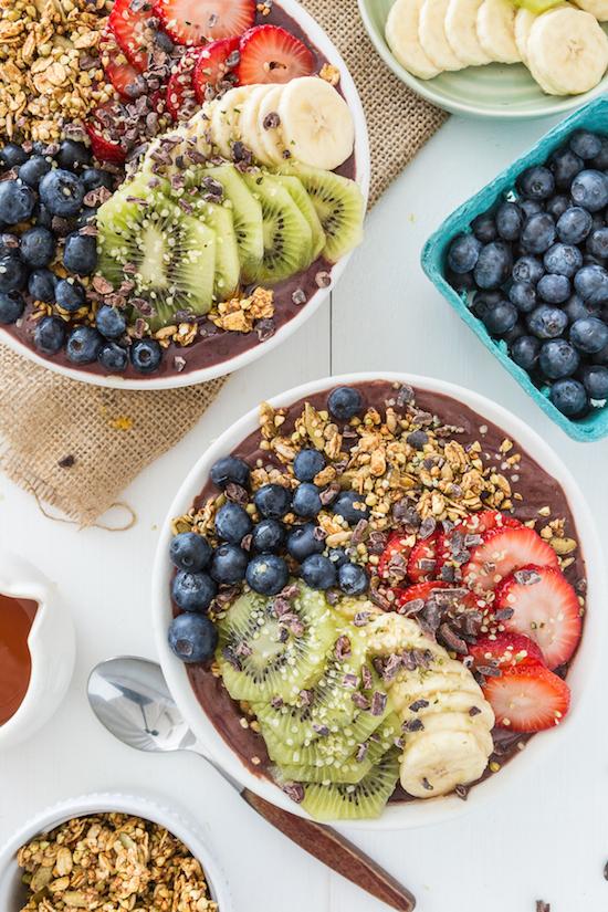 欧美部落客人手一碗  色彩缤纷的Açaí Bowl竟然富含这么多营养!