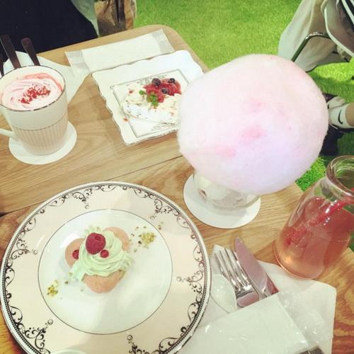 少女们尖叫吧!最梦幻咖啡店JILL STUART CAFÉ海外初登场!更多迷人的美妆消息还有...