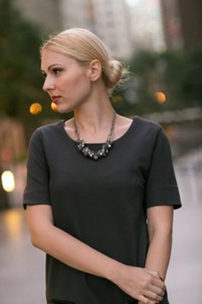 四个面试穿搭诀窍!时尚名模造型师Rachel Zoe教妳怎么穿