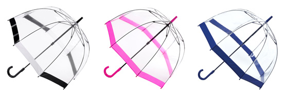 如何不让梅雨遮掉你的时髦打扮?试试充满亮点的透明花伞吧!