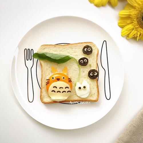 吃维尼吐司当早餐也太幸福了吧!一片起司就能变出一週的卡通早餐?