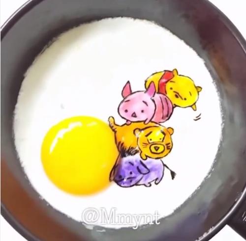 蛋黄哥把蛋汁都抖出来了!连煎个蛋都这么可爱可以吗?