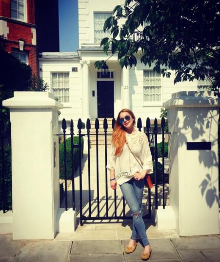 还记得《天生一对》里安妮的家在哪吗?时隔20年琳赛萝涵旧地重游