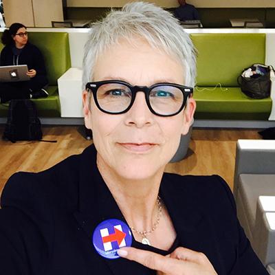 大明星都约好这天玩自拍?美国投票日他们用这招昭告天下「我投票啰!」