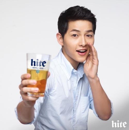 欧爸可以不要再代言饮料或酒了吗?在台湾看得到却喝不到心情很阿杂