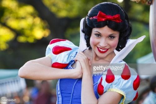 各国的迪士尼美女都没有他美!已拜倒在GD白雪公主裙下