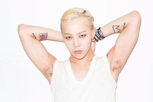 不要再刺了粉丝会心疼的!身上大概也没地方刺的韩国Idol们