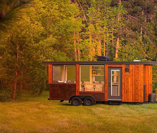 每个爱旅行的人的梦想!3间迷你露营车让你玩到哪家就在哪