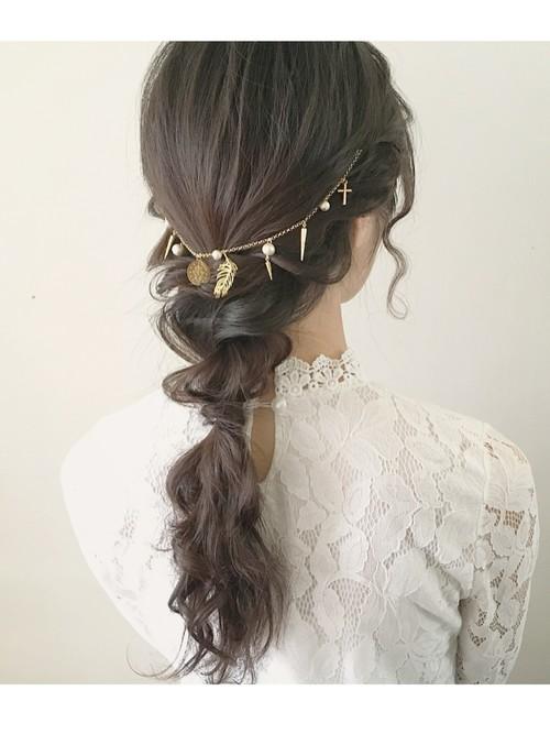 这简直就像给头髮戴的项鍊一样 日本妞的头饰新宠—后脑髮带