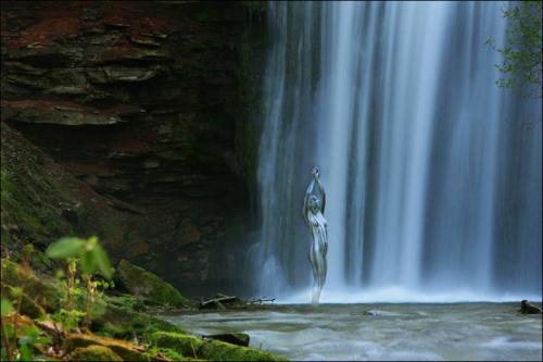 大自然版《寻找威利》?与风景合而为一的极致人体彩绘