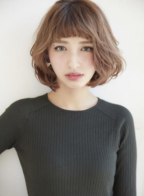 多剪幾刀就能回春?日本女孩都在剪的最強逆齡感髮型「眉上瀏海+鮑伯頭」 | 眉上瀏海、鮑伯頭、日本、髮型、混血兒