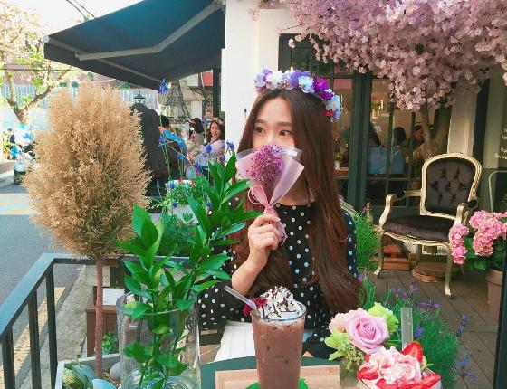 来这里当一天花精灵吧❤韩妞的花艺×咖啡秘密基地「Florté Flower Café」