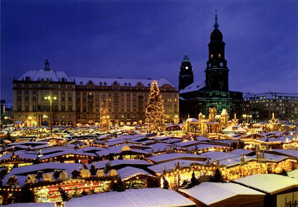 小木屋、旋转木马…通通搬来了!法国400年传统耶诞市集原汁原味现身台北