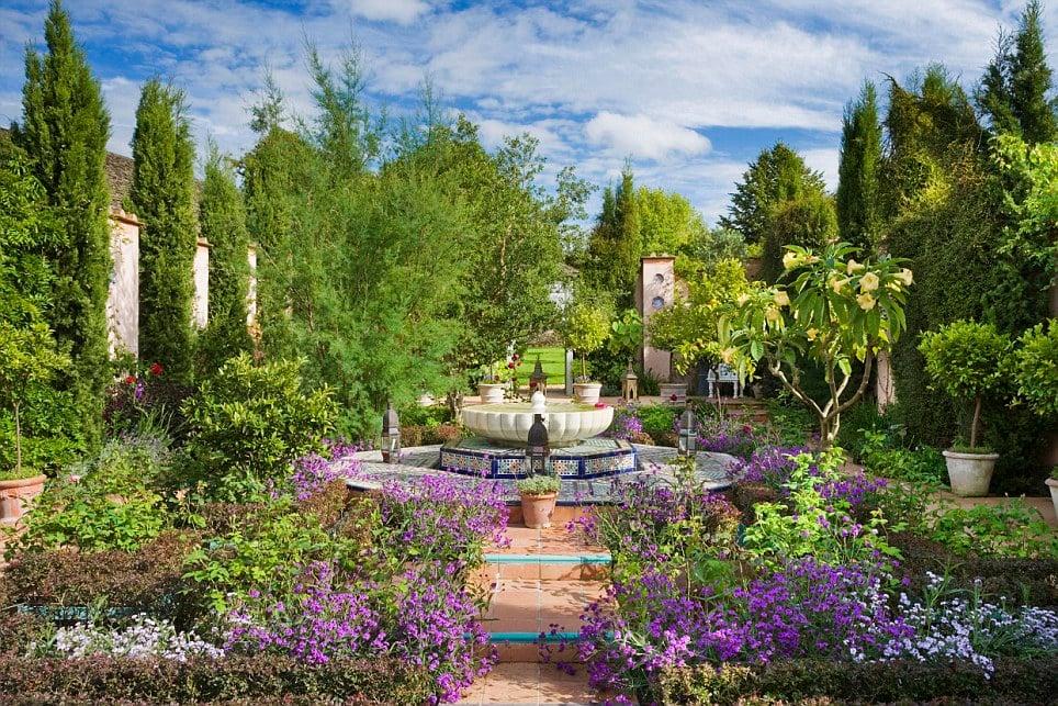 他不愛王位只愛莊園!英國查爾斯王子花32年打造的絕美花園王國