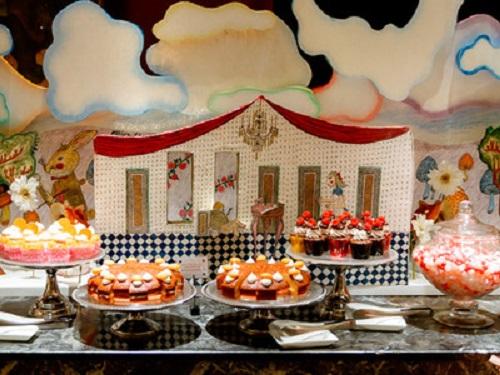 你也能成为疯帽茶会的一份子!爱丽丝限时buffet餐厅就在新宿