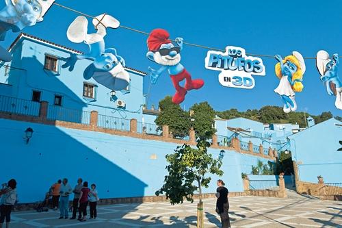 官方唯一承认的代言小镇!西班牙的蓝色小精灵村Juzcar小镇