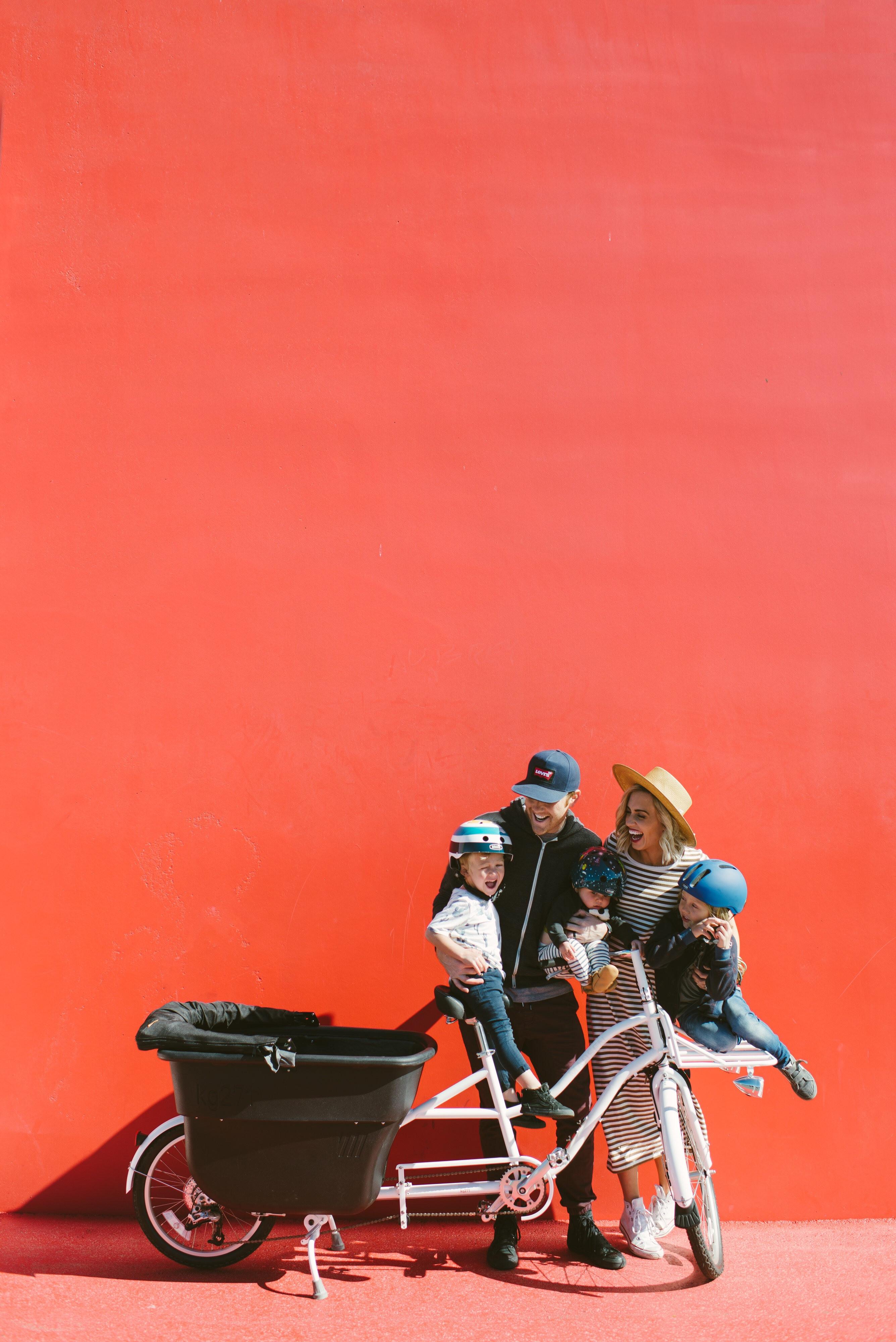 一家六口也能歡樂趴趴走!歐美行動式三輪車正夯