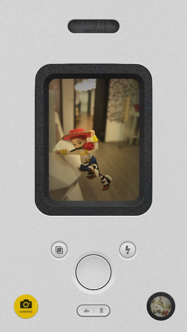 摇摇手机才能显影的拟真拍立得App!《Nomo》勾起新一波复古风潮
