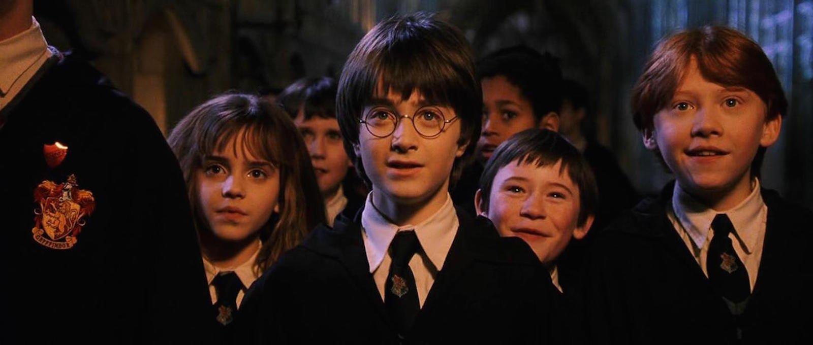 霍格华兹的同学们买新课本哦!欢庆20周年鉅献《哈利波特:穿越魔法史》