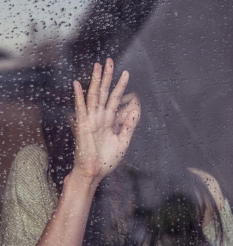 如果失恋需要悼文,就让《凌物语》陪你为逝去的爱守一百个夜!