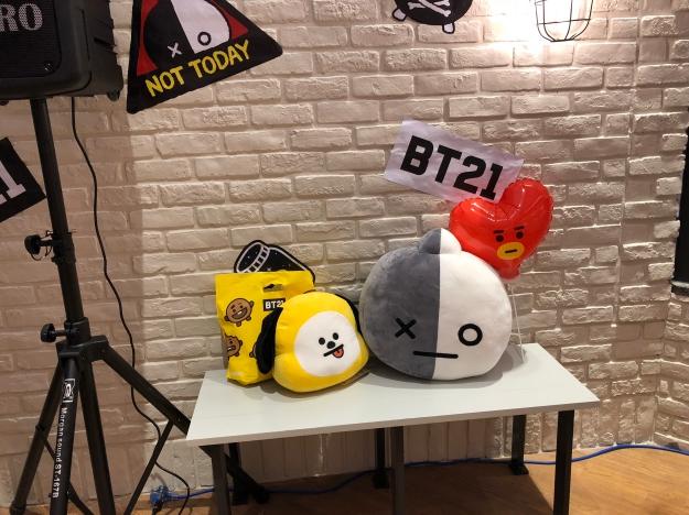 「宇宙明星BT21」正式登台!超疗癒抱枕、Q萌文具会让阿米失心疯!
