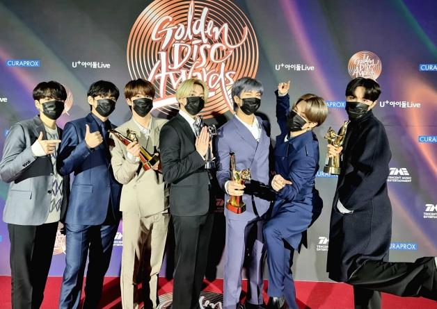 《第35届金唱片奖》唱片得奖名单!GOT7最后舞台,防弹蝉联7年本赏和4年大赏