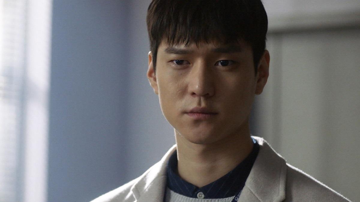 高庚杓飾演醫生姜仁奎