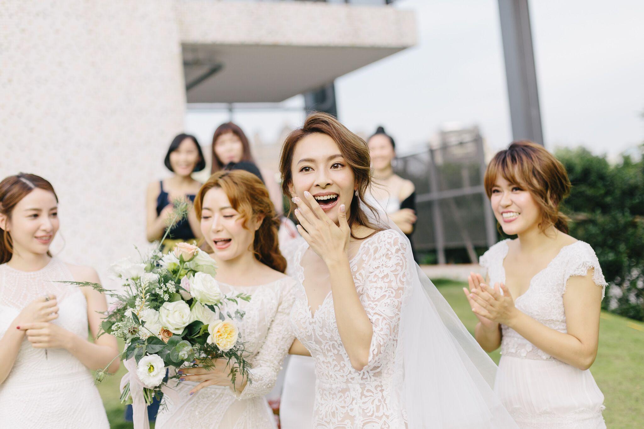 新娘伴娘礼服怎么搭?好闺蜜一起美又不怕友谊翻船的教战守则