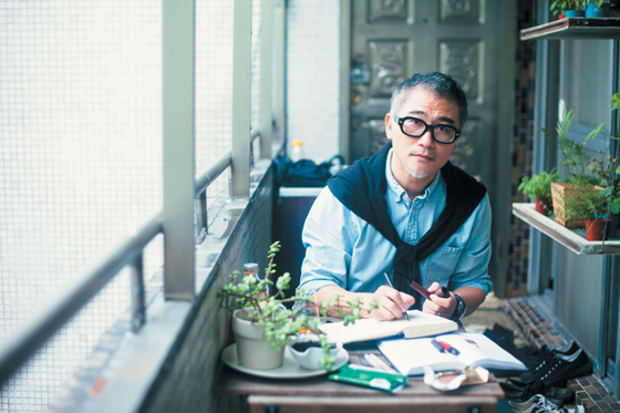 ELLE Report 小说家的日常EVERY DAY OF A NOVELIST'S LIFE