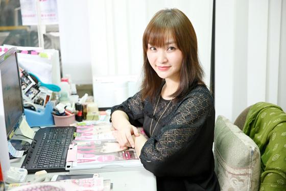 她美丽的祕密就在身边..!?VOCE总编辑的桌边美容小物大公开!