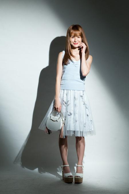 时尚女子方程式!春夏彩妆╳潮流服饰=最高品味女子