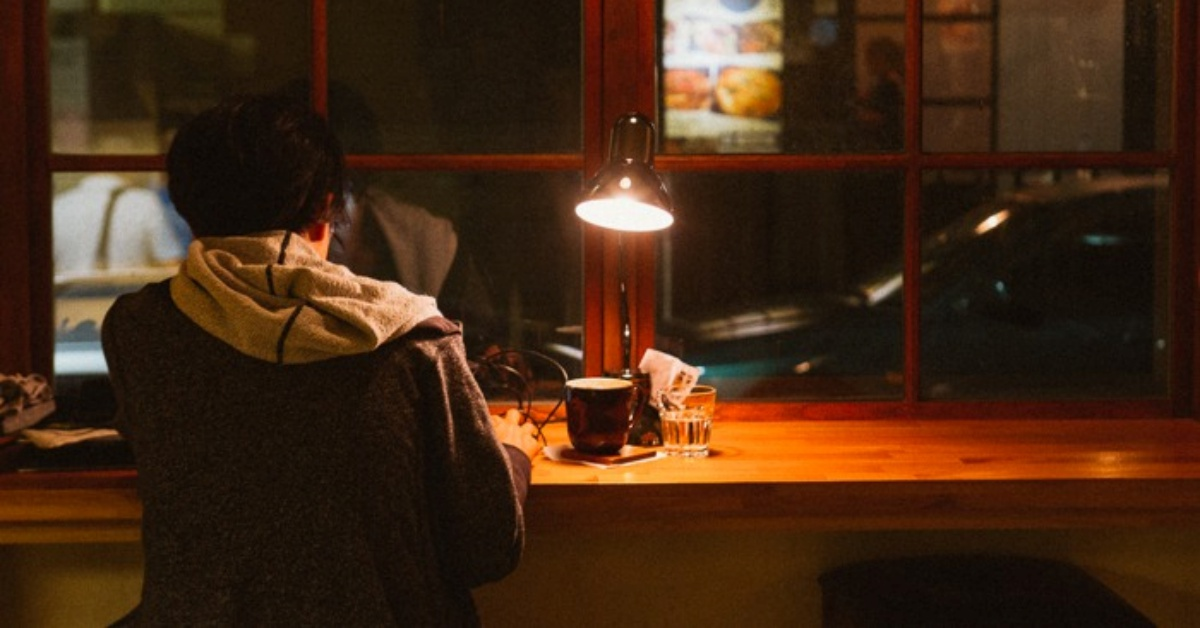孤单不是寂寞:适合一个人晚上去的 5 间台北咖啡厅